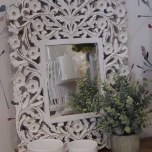 white carve wood mirror